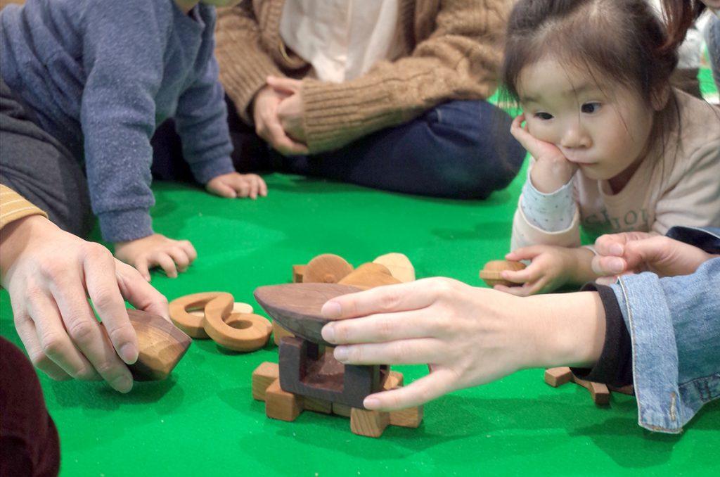 所沢市の家具工房のokaikosanのオーダー家具の保育園の積み木のワークショップの画像